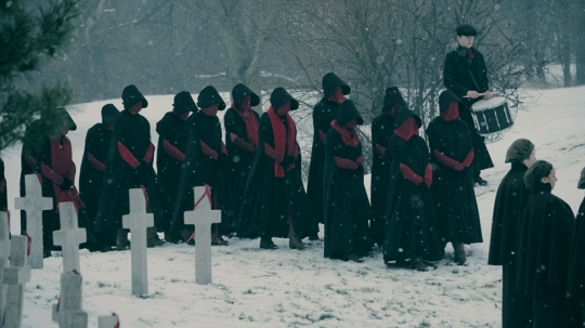 the-handmaids-tale-season-2-hulu-funeral